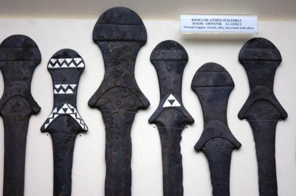 triforce on oldest swords